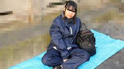 路地裏で寝ているバックパッカー女子をナンパしてみました